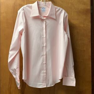 NWOT Brooks Brothers semi-fitted light pink blouse